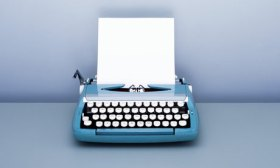 Blank-paper-in-typewriter-001